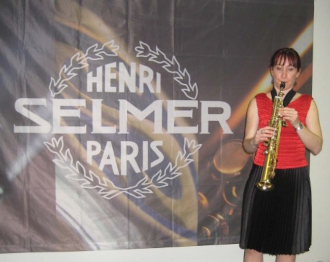 Recital at the Selmer Showrooms in Paris. Performing Australian Music by Prof. Anne Boyd, Ross Edwards, and some of my music.