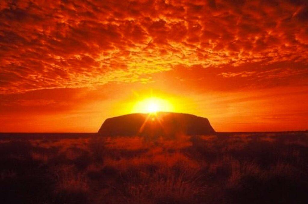 WEB-Uluru-sunrise